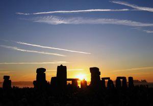 solstice at Stonehenge, wikimedia